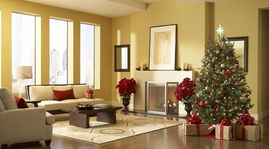 Elegant-Christmas-living-room