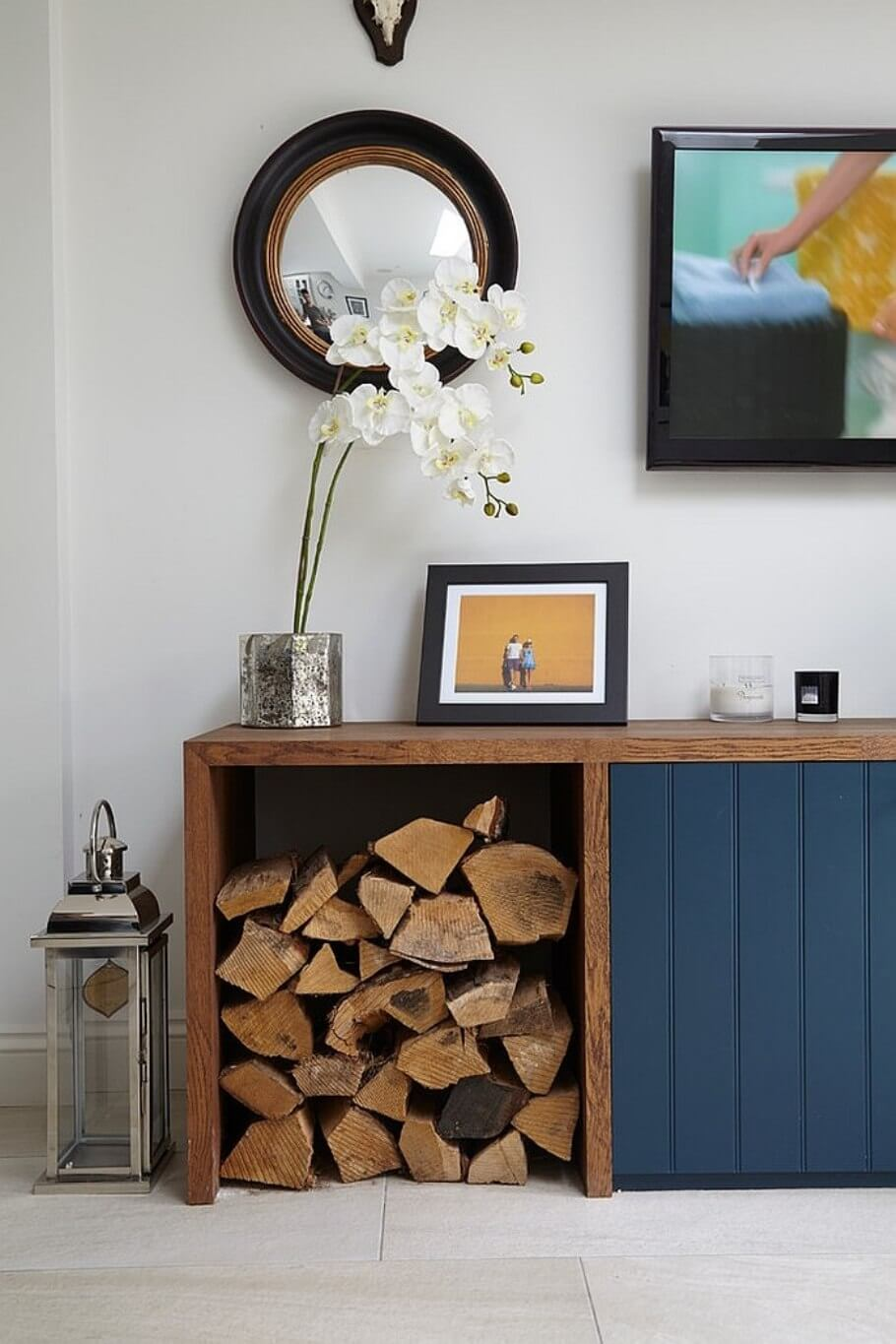 10 creative firewood storage ideas for the living room for Interior log storage