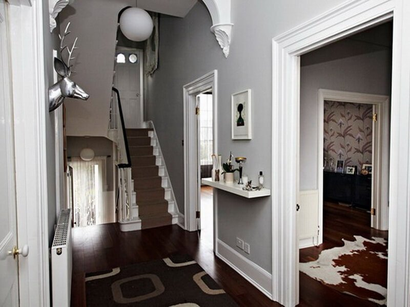 10 unique hallway interior design ideas https for Pictures for hallway walls