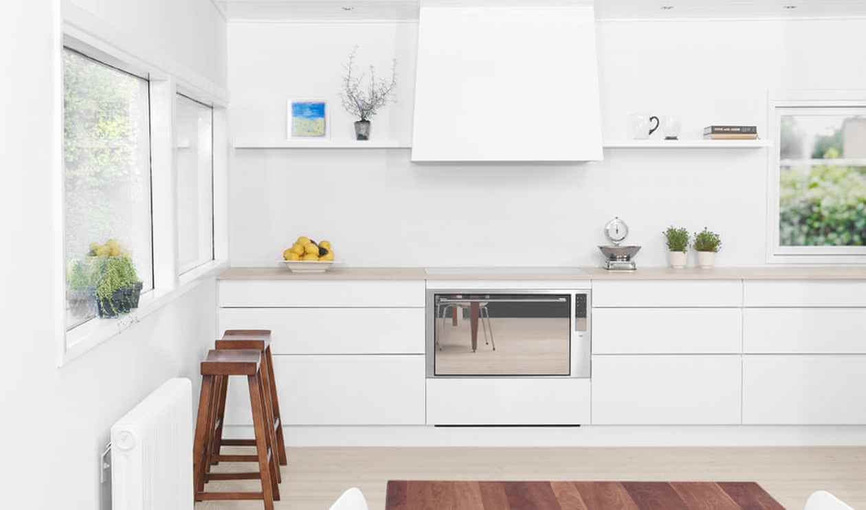 15 serene white kitchen interior design ideas https for Beautiful modern white kitchens