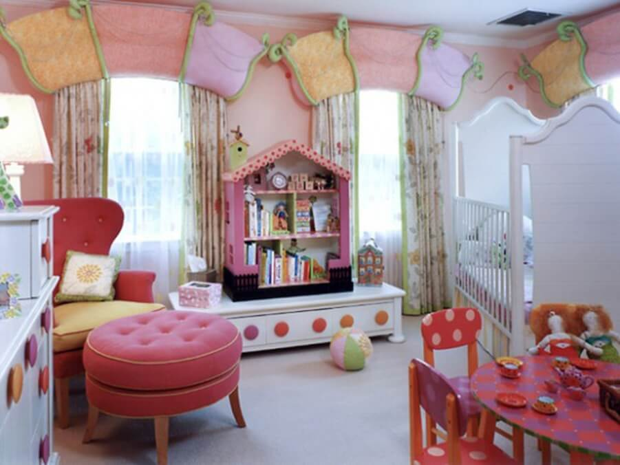 Imaginative Pink Girl;s Bedroom