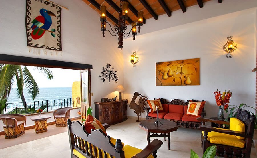 10 gorgeous living room interior design ideas from all for Mexican inspired living room ideas