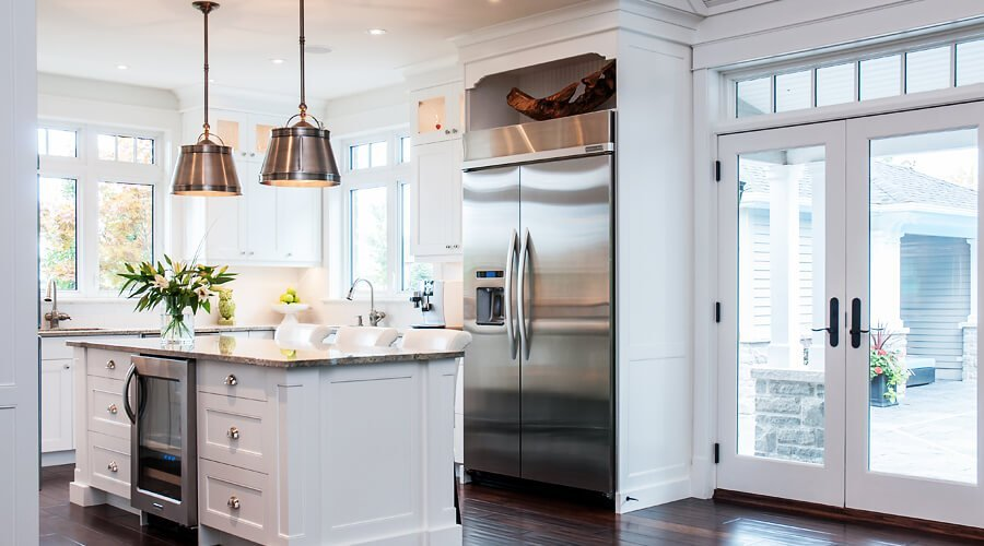 Pleasent White Kitchen Design
