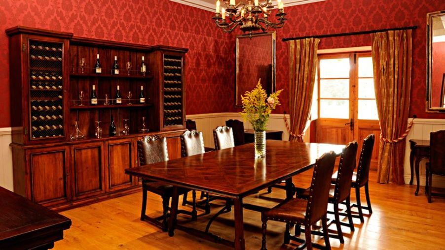 10 paint color ideas for beautiful dining room interior design - Red dining room color ideas ...