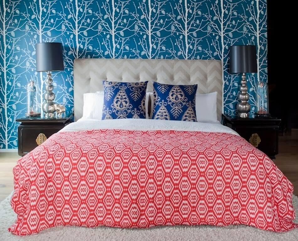 mixing-patterns-bedroom-wallpaper