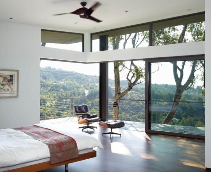 Amazing Airy Bedroom