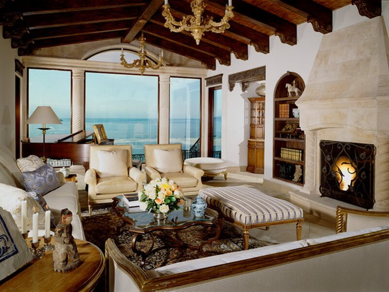 Charming-Shell-Beach-Residence-Living-Room-Classic-Fireplace