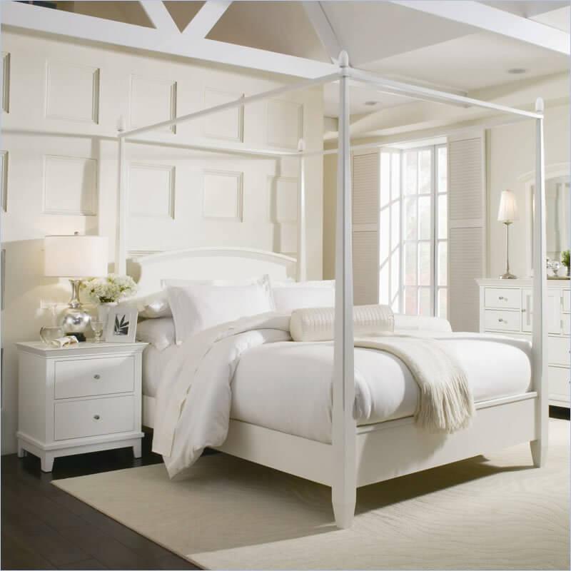 Fabolous Airy Bedroom