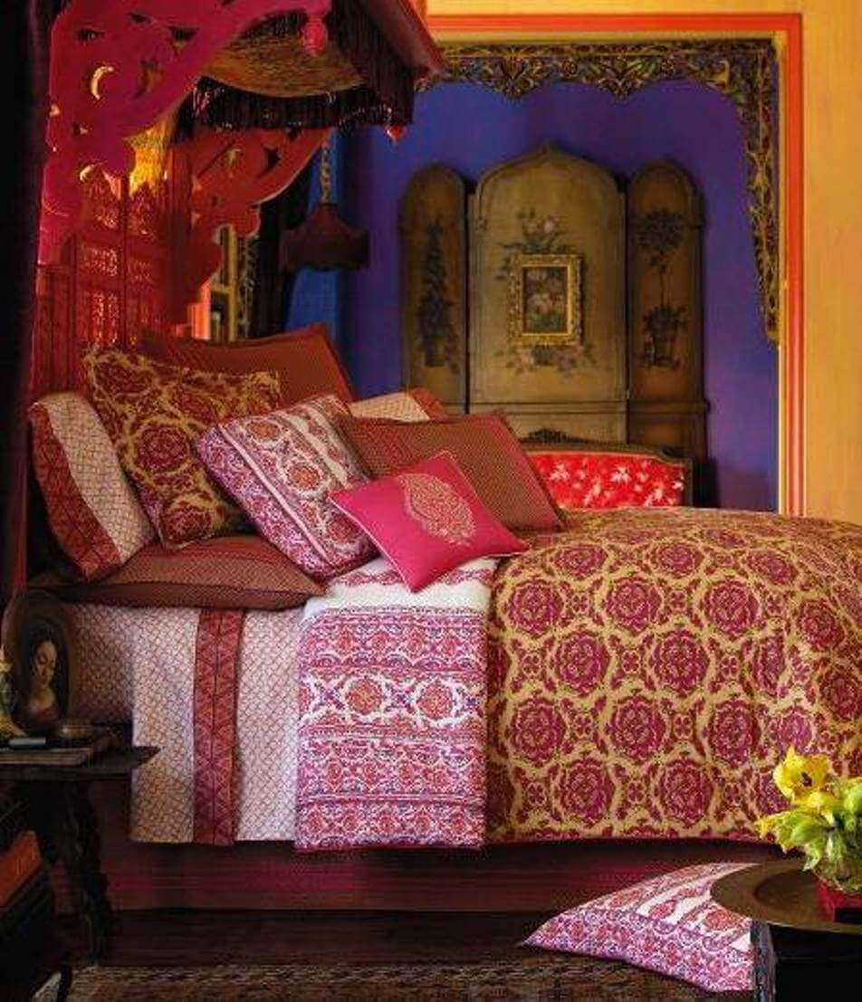 Indian Interior Design Ideas For Dramatic Warm Atmosphere: 10 Bohemian Bedroom Interior Design Ideas