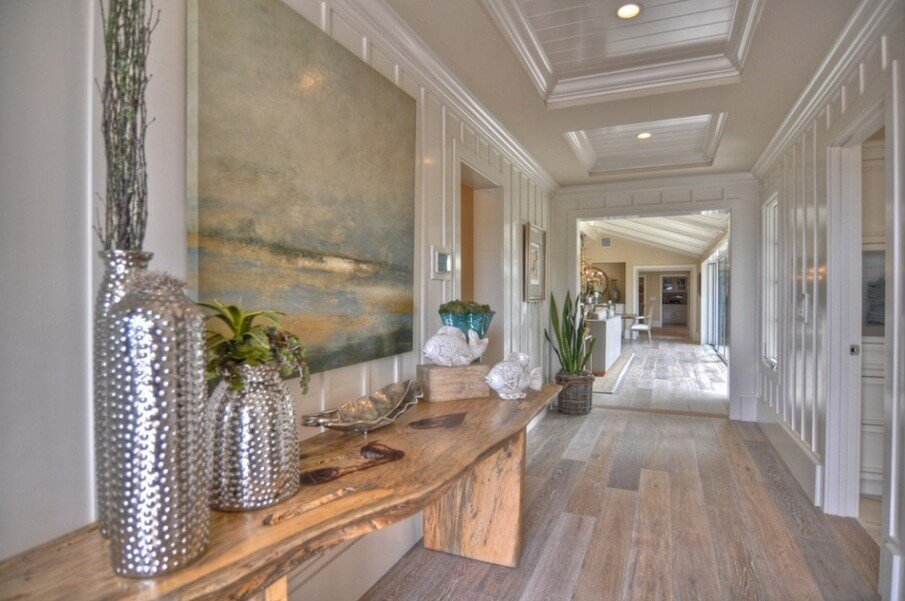 10 contemporary hallway interior design ideas https for Interior decorating hall ideas