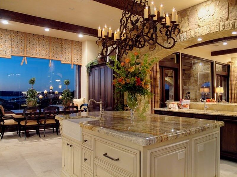 10 amazing mediterranean kitchen interior design ideas for Mediterranean style kitchen photos