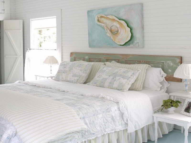 10 cool beach inspired bedroom interior design ideas for Coastal bedroom design