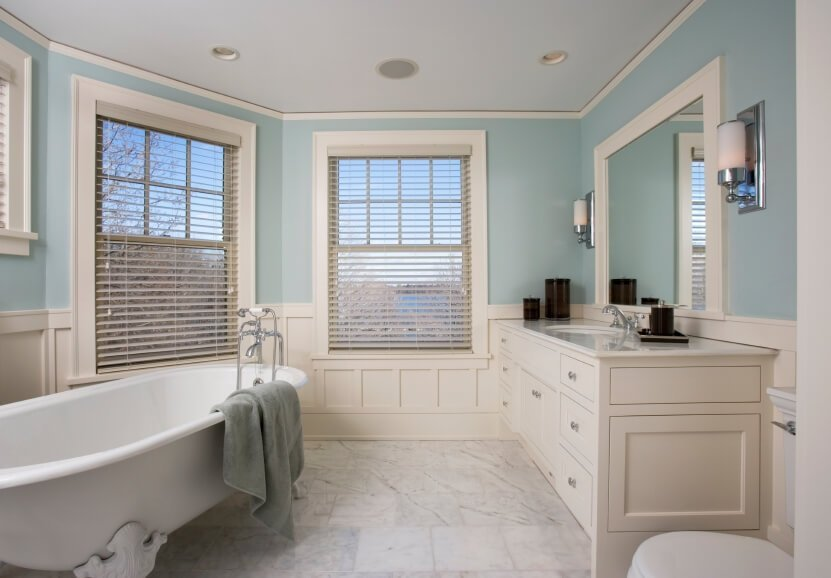 Simple Beach Inspired Bathroom