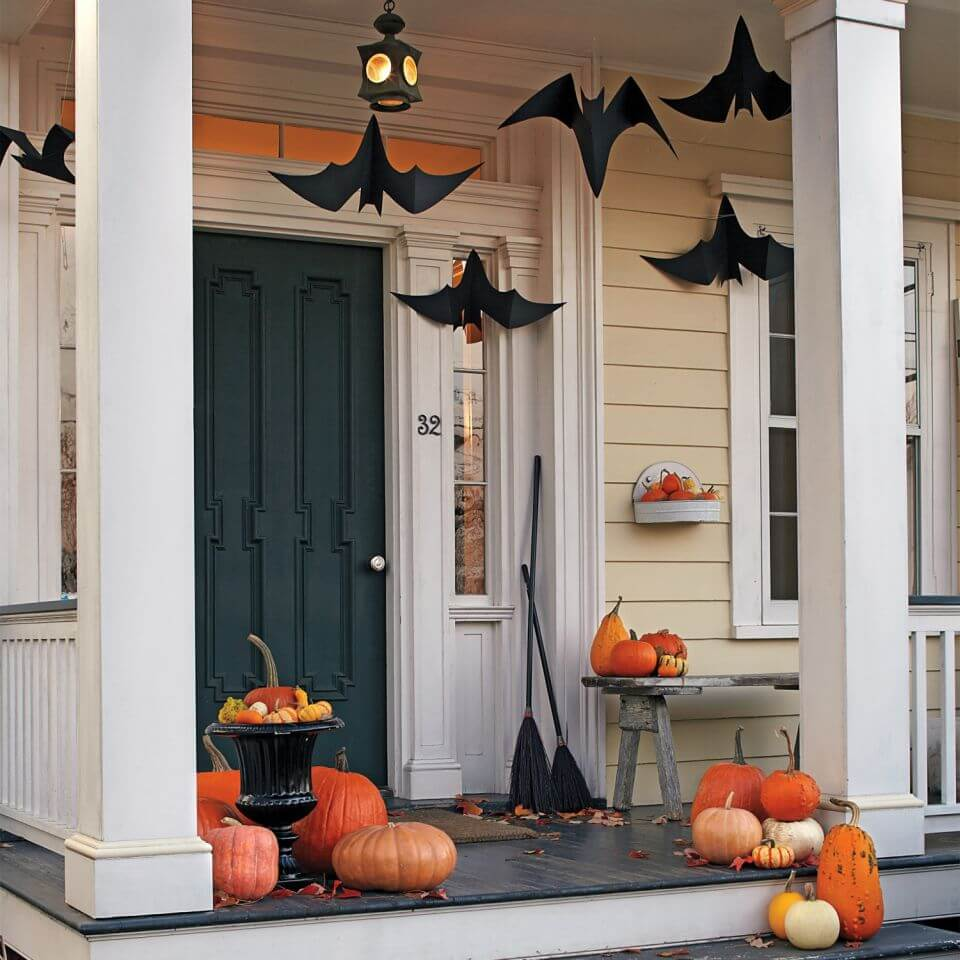 Creepy Hallowen Porch Idea