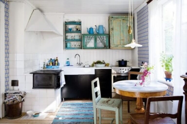 Dynamic Scandinavian Rustic Kitchen