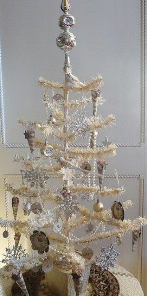 13 cool tabletop christmas trees for a festive touch for Minimalist christmas tree