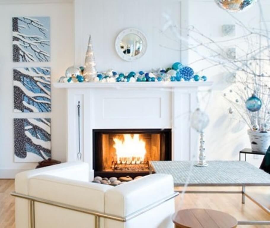 12 dreamy and festive christmas fireplace mantel decor for Contemporary mantel