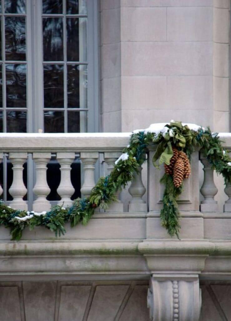 Natural Christmas Balcony