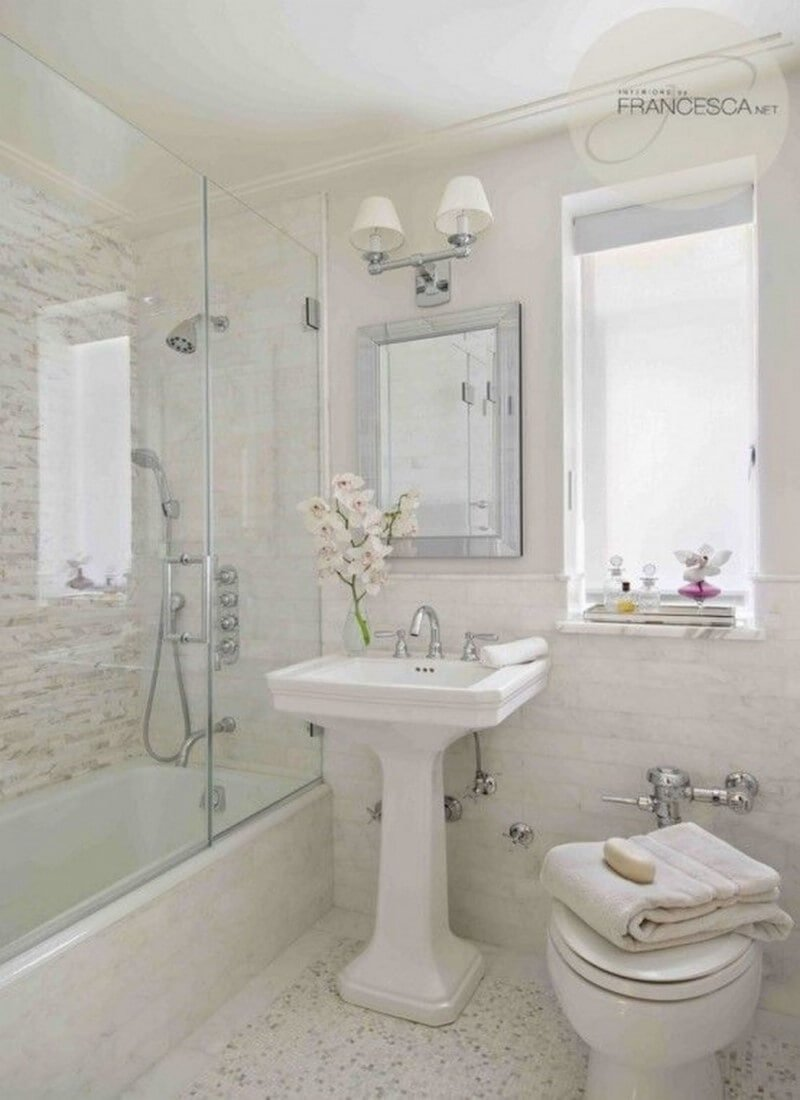 Top 7 super small bathroom design ideas https for Pics of bathroom decor