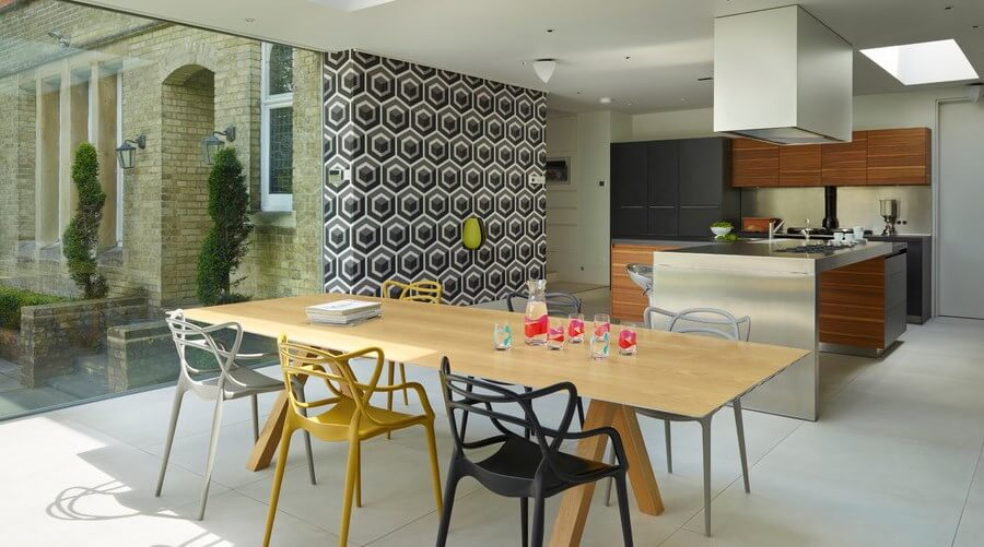 Geometric wallpaper in 8 bold dining room designs https for Dining room wallpaper designs