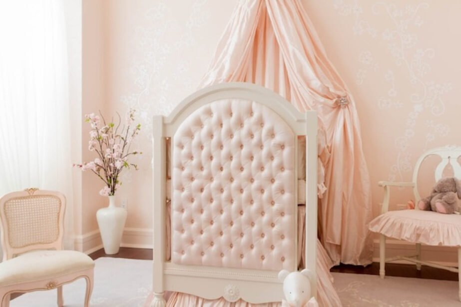 10 princess themed girl 39 s bedroom design ideas https for Baby pink bedroom ideas