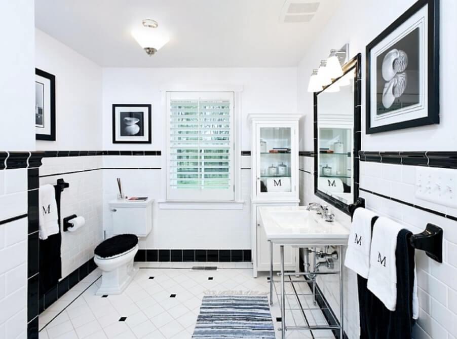Classsy High Contrast Bathroom