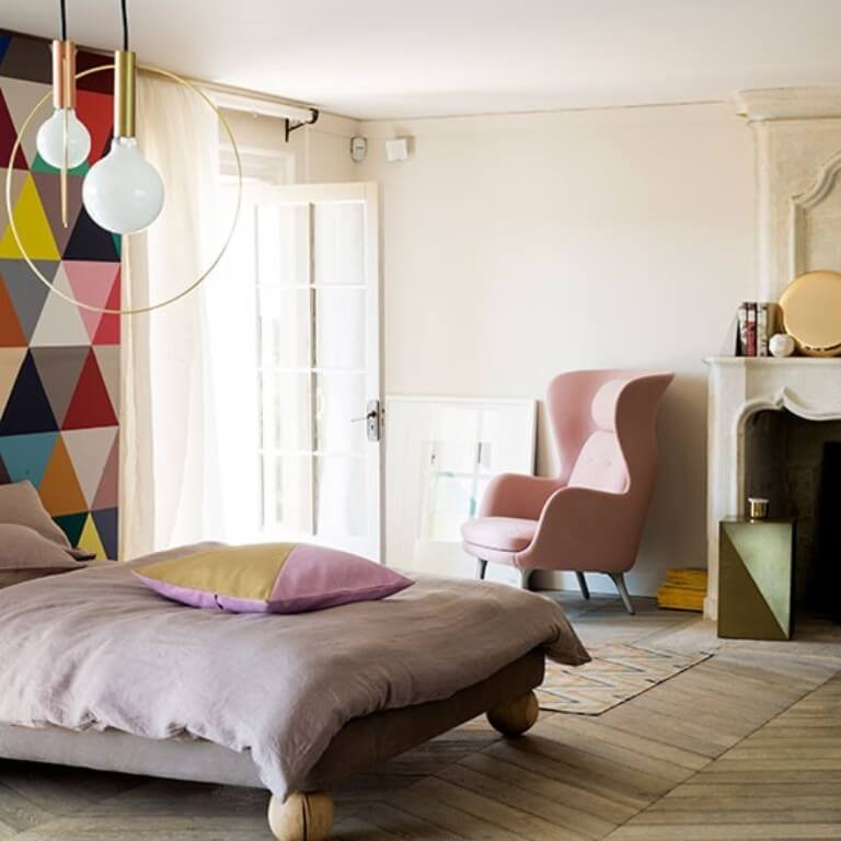 Geometric wallpaper in 10 bold bedroom ideas https for Cool bedroom wallpaper designs