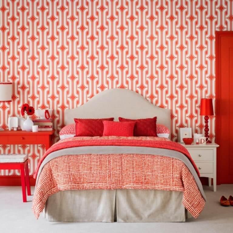 Refreshing Bedroom With Geometric Wallppaper