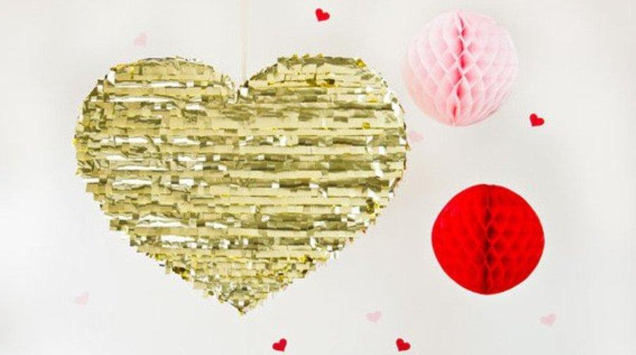 Valentines-Day-DIY-Gold-Mylar-Heart-Pinata_large_jpg