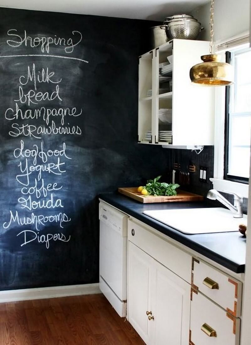 9 super cool kitchen designs with chalkboard wall https for Kitchen wall ideas