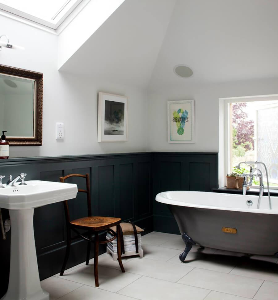 9 Superb Clawfoot Tub Design Ideas For Chic Touch on Dining Room With Shiplap Walls