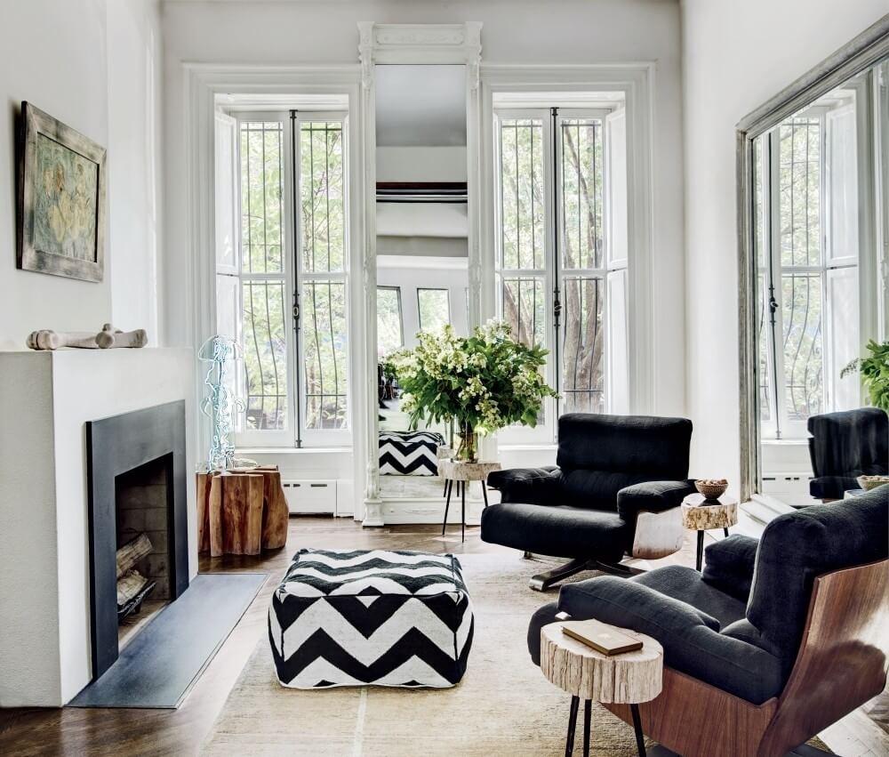 Contemporary High COntrast Living Room