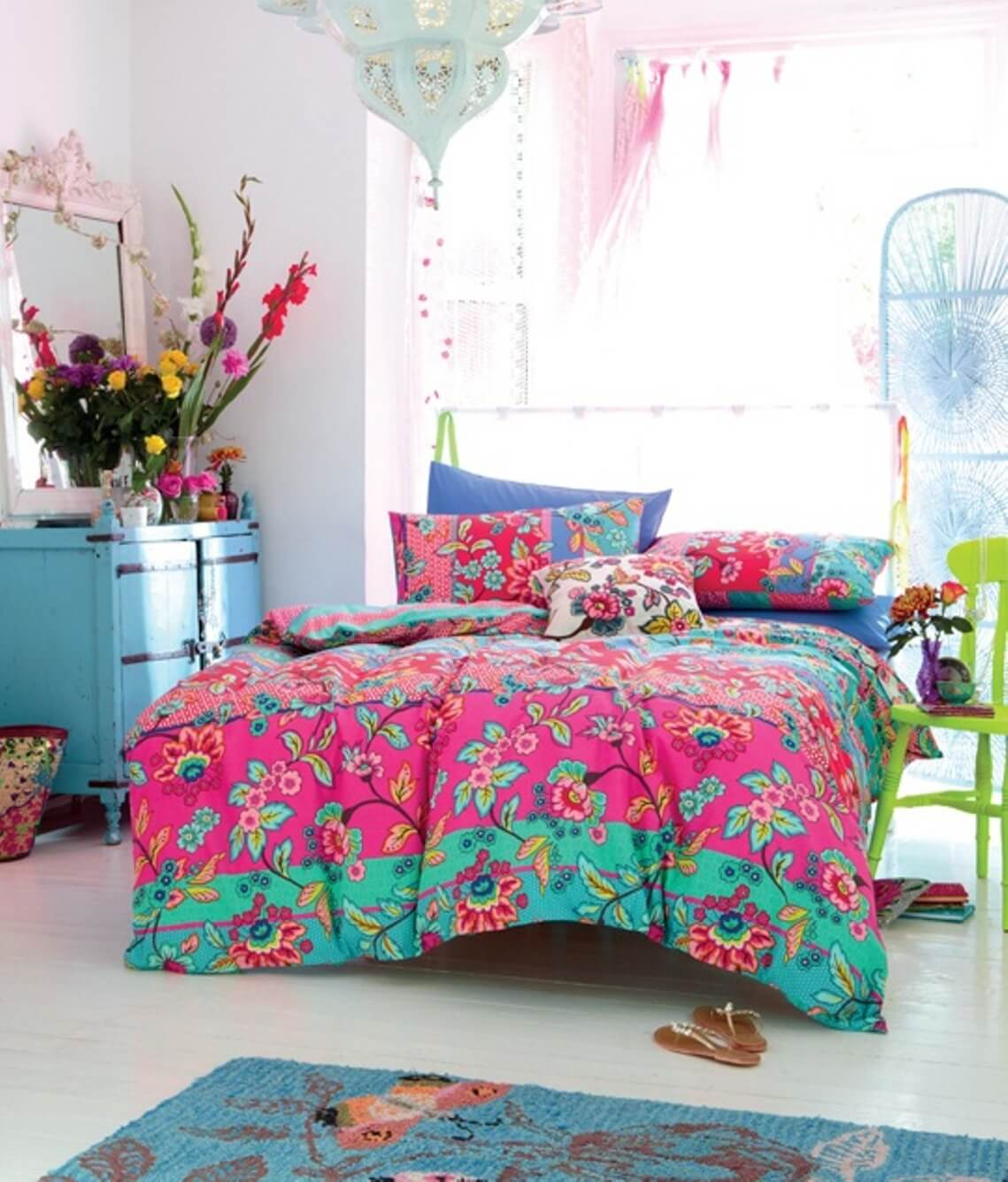 Colorful Room Decor: 8 Bohemian Chic Teen Girl's Bedroom Ideas