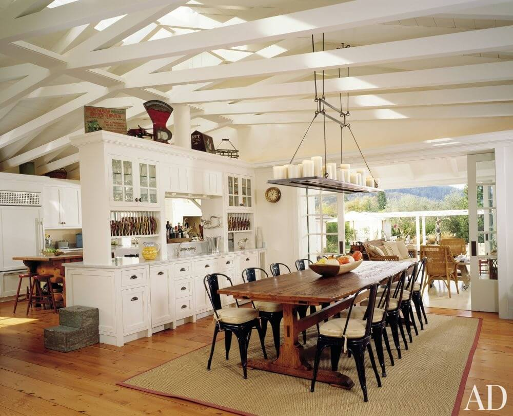 Cozy Farmhouse Dining Room