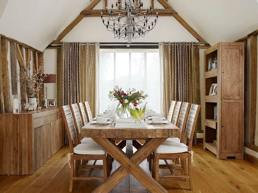 Wooden Chic Farmhouse Dining Room