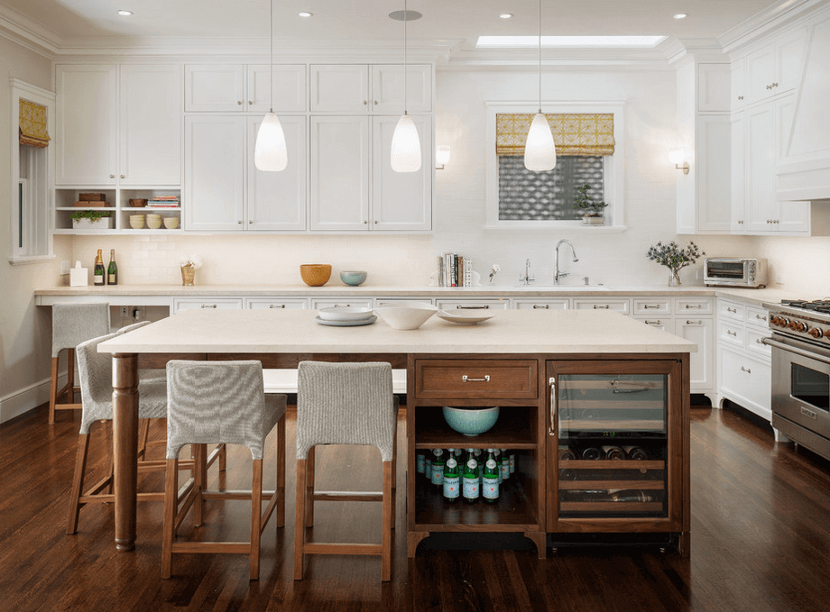 White and wood kitchen island