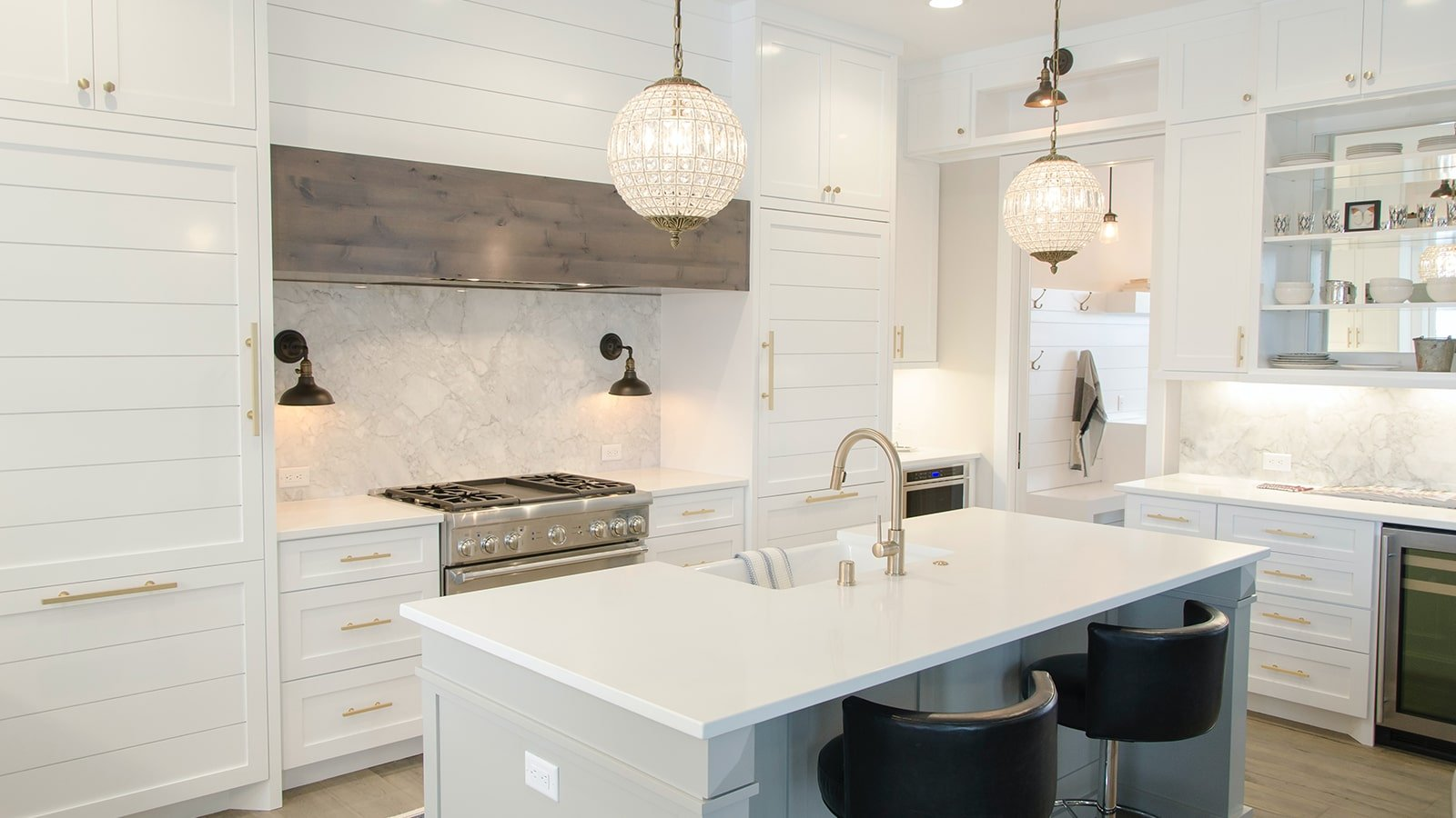 Modern kitchen with pendant lighting