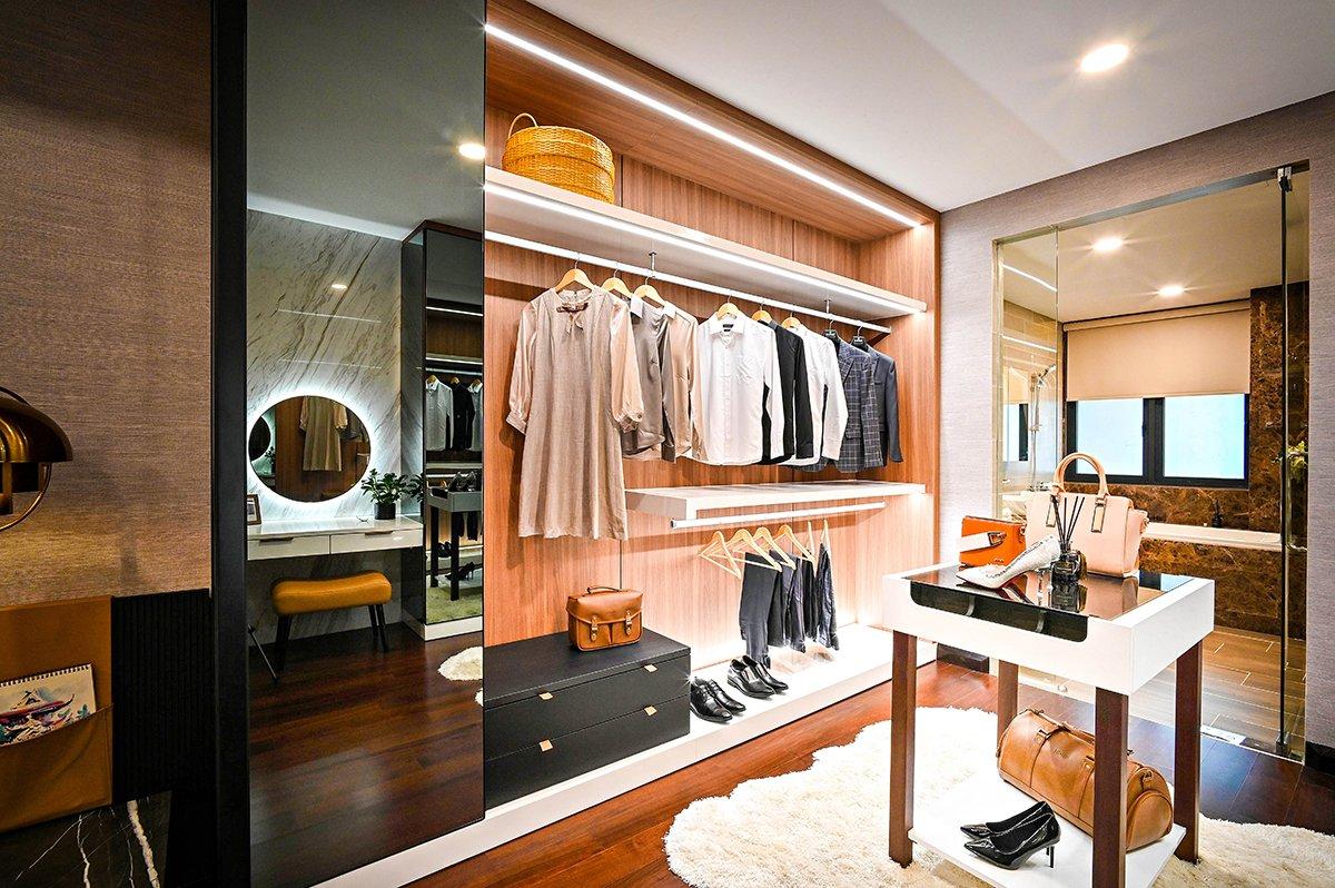 Luxury walk in closet